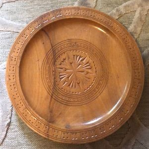 🌷VINTAGE🌷Small wooden decorative carved plate